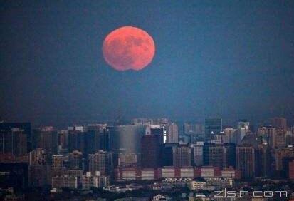 光化学烟雾 日本出现红色月亮